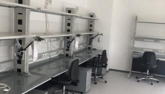 פרוייקט מג'יק ליפ- שולחנות וכיסאות