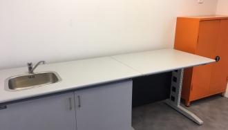 מד אקס שולחן עם כיור