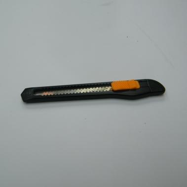 סכין יפנית עם ידית אנטיסטטית מוליכה